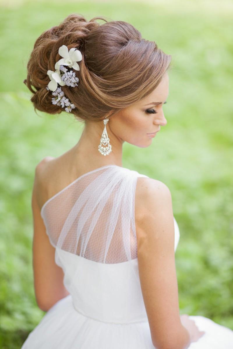 прическа на свадьбу невесты фото с фатой