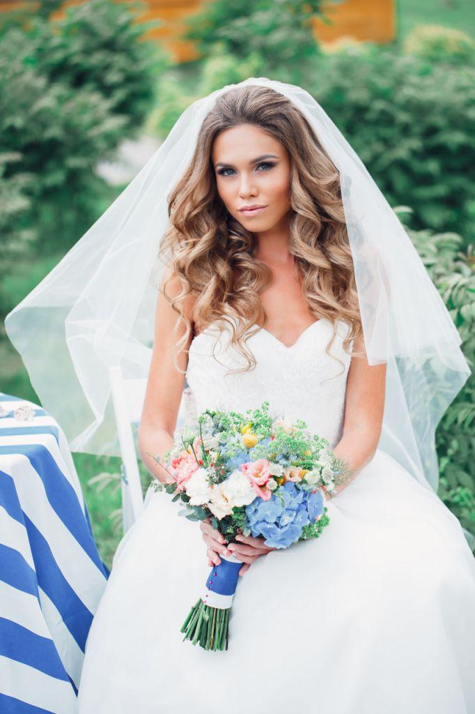 Свадебные прически с фатой 4