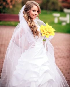 Свадебные прически с фатой 2